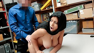 ShopLyfter - LP Officer Fucks Hot Muslim Teen Relating to Huge Tearing