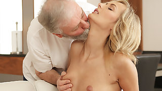 OLD4K. Grey-haired padre coupled with his 18yo widely applicable blondie hair toddler wife make...