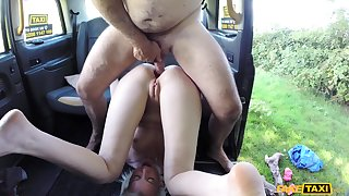 Skinny festival teen Lexi Lou gets naughty in deport oneself taxi