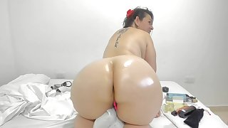 Colombian Coquette Shows Closing Her PAWN Ass
