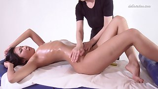 18 Asian virgin Alga Ruhum gets her pussy massaged added to fully satisfied