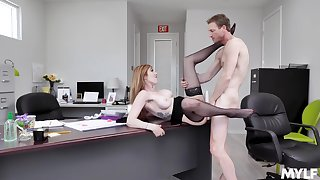 Bodkin MILF Lauren Phillips gives up some pussy at the office