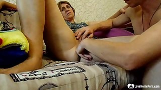 Horny stepmom gets her pussy fingered deep
