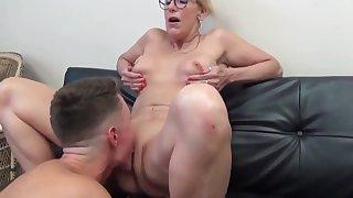 Sexy Mature Cougar Milf Enjoys Sex With Brat